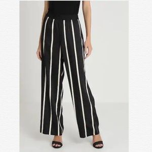 VINCE CAMUTO BLACK STRIPE WIDE LEG PULL ON PANTS